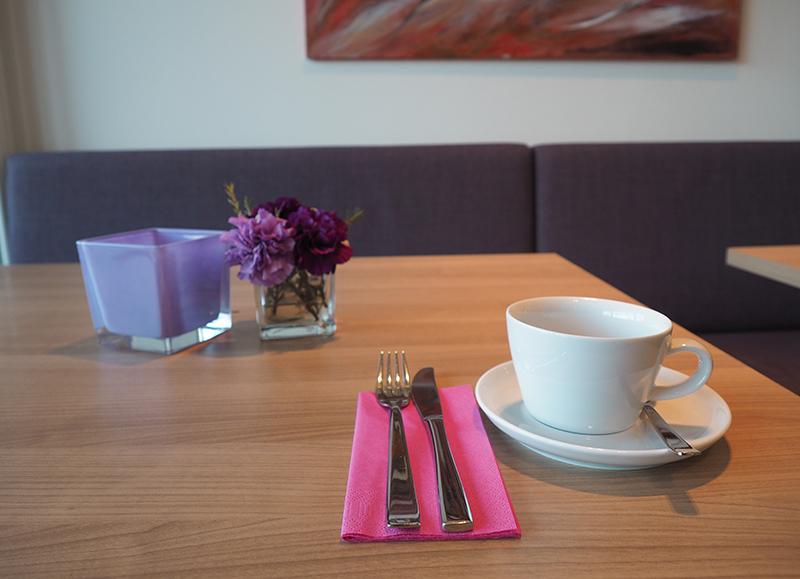 Service Frühstück Buffet Frühstücksbuffet Frühstücksraum | Hotel im Park | Hotel garni Frühstückshotel | Bad Iburg Osnabrück |Buchung Reservierung | Zimmer Hotelzimmer | Aktivitäten Anfahrt
